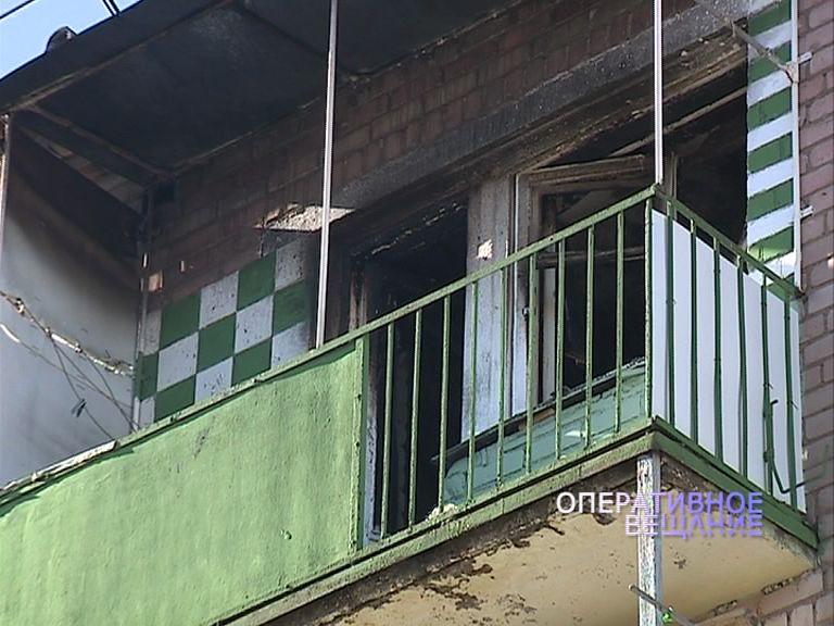 Спасатели на Лермонтова из полыхающей квартиры вынесли мужчину