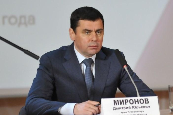 Дмитрий Миронов в Любимском районе: отчитал застройщика, рассказал о планах газификации и сыграл в теннис
