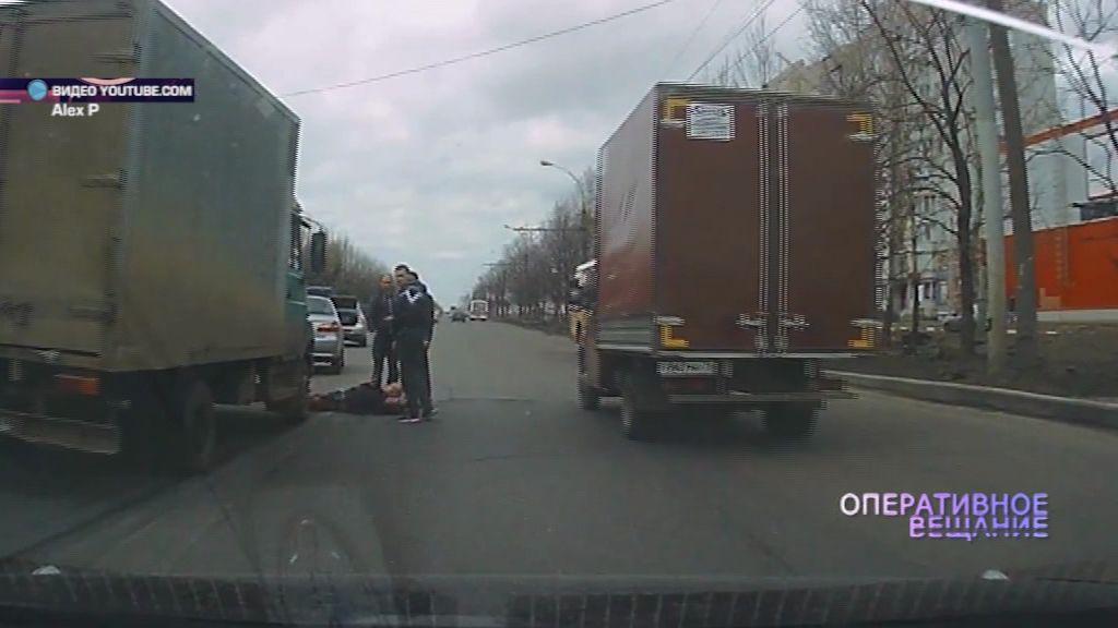 ВИДЕО: На Ленинградском проспекте водитель грузовика сбил мужчину
