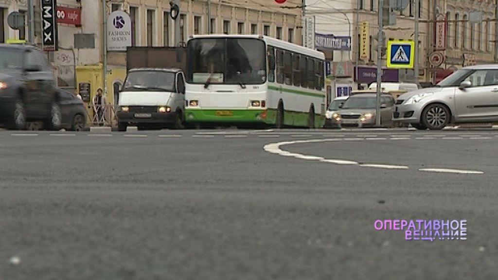 Ярославец из-за чистоты газонов резал колеса припаркованным авто