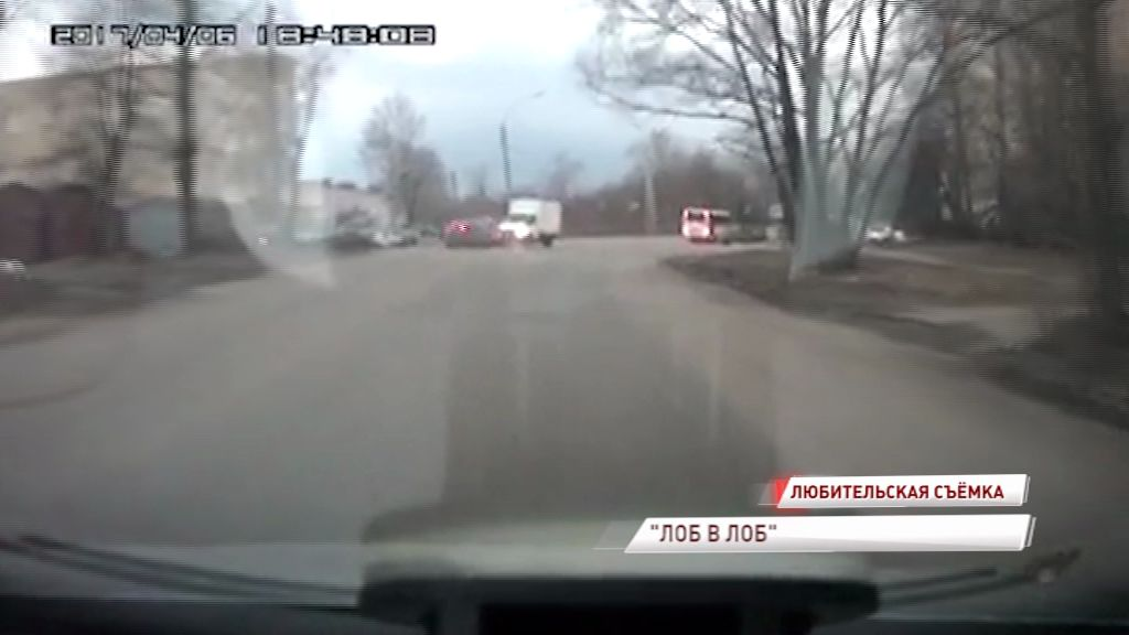 ВИДЕО: На Угличской лоб в лоб столкнулись «Мицубиси» и «Газель»