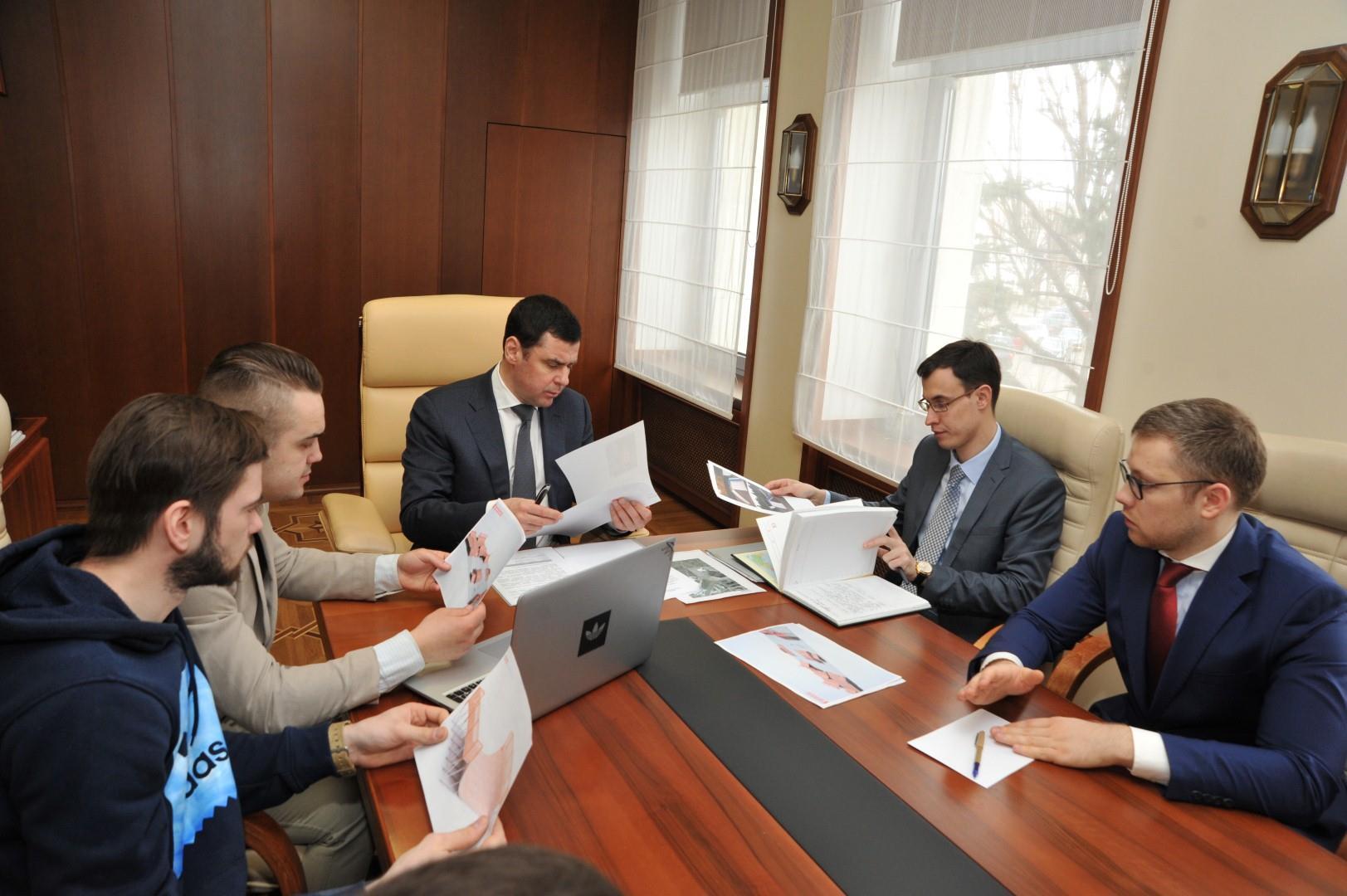 Дмитрий Миронов: «В ближайшее время решим вопрос со строительством площадки для скейтбординга и роллер-спорта»