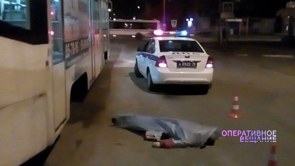 Названа одна из версий гибели мужчины на трамвайных рельсах