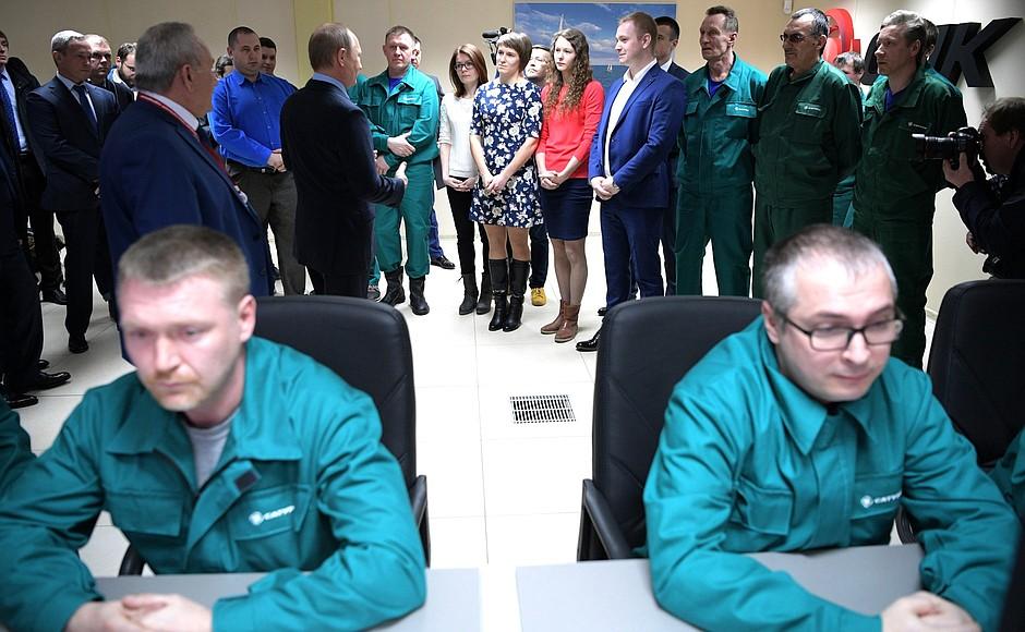 ФОТО: Владимир Путин посетил в Рыбинске НПО «Сатурн»