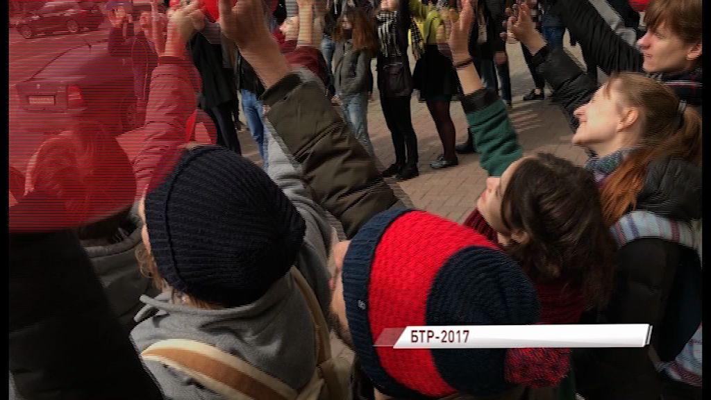 На площади Волкова снимали клип