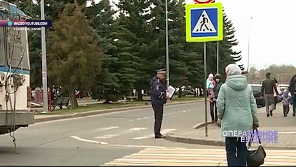 В Рыбинске женщина угодила под колеса троллейбуса