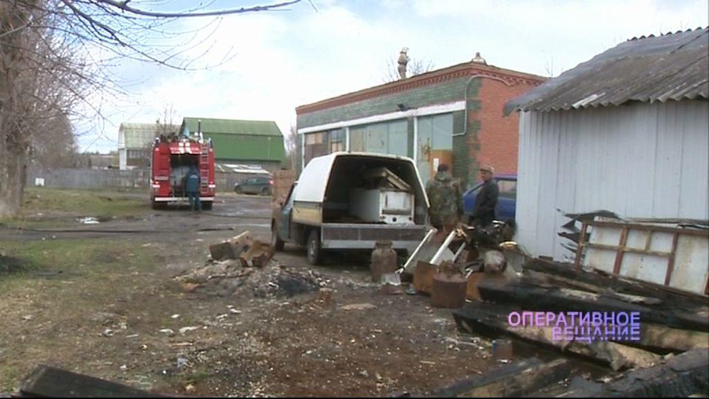 Неспокойное утро в поселке Ченцы началось с пожара