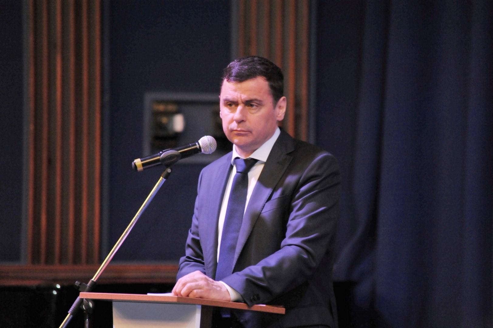 Дмитрий Миронов представил тезисы программы развития области на предварительном голосовании по выборам губернатора