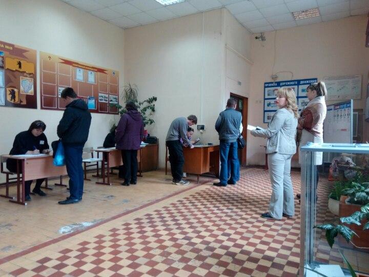 К 10 часам утра проголосовали более 2,5 тысяч ярославцев, активней всего в Заволжском районе