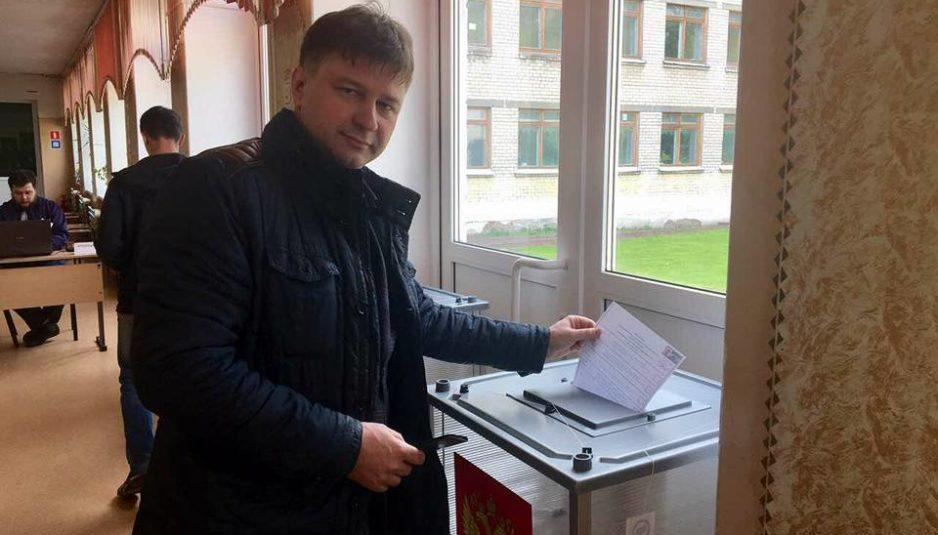 Олег Ненилин: «Горожане идут на избирательные участки, несмотря на прохладную погоду»