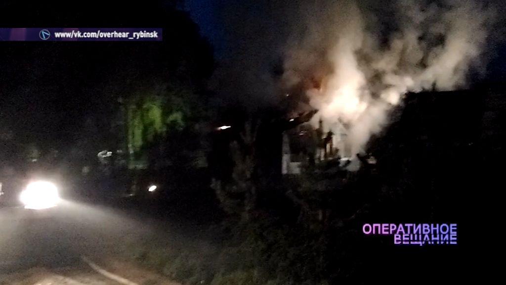 В поселке Песочное сгорел частный дом
