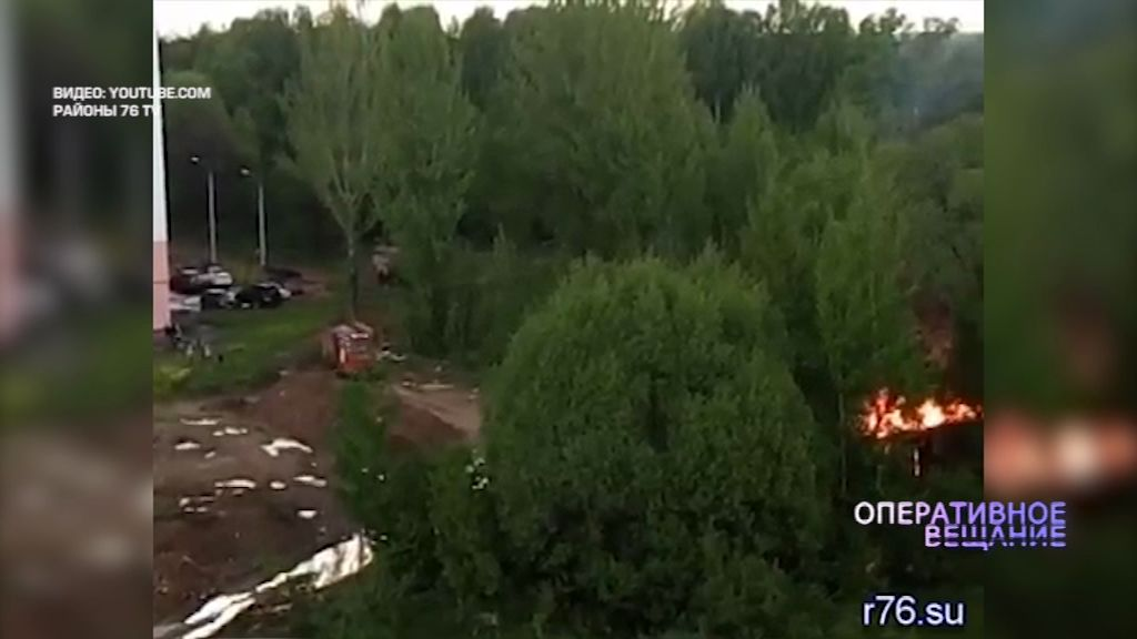 В микрорайоне Сокол вспыхнули строительные вагончики