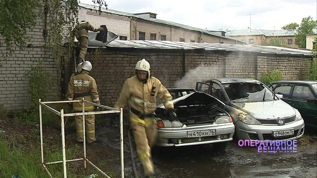 На проспекте Ленина вспыхнули две машины