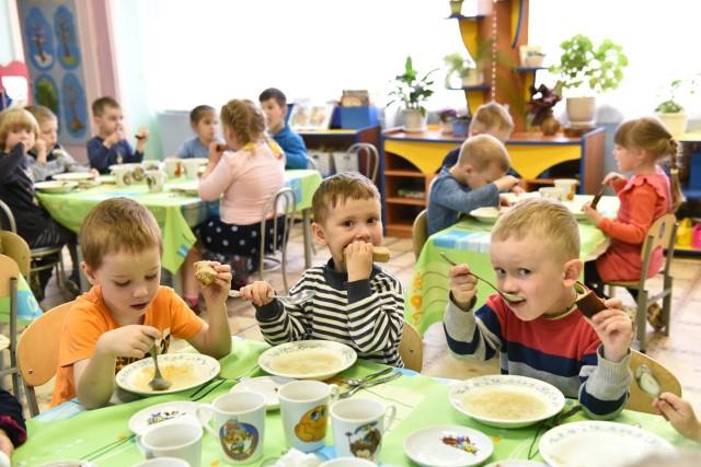 Специалисты составили единое меню для детских садов Ярославля