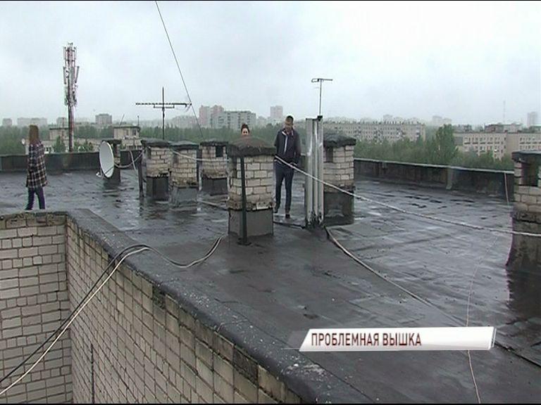 Общественники проверили состояние общежития на Урицкого