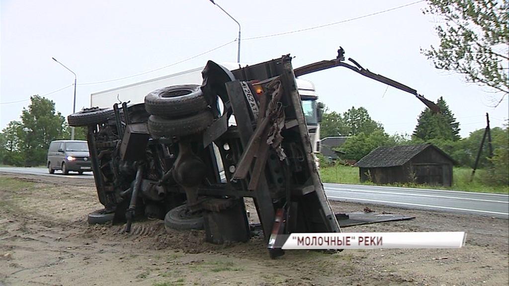 Серьезное ДТП на трассе М-8:две фуры сошлись в лобовую
