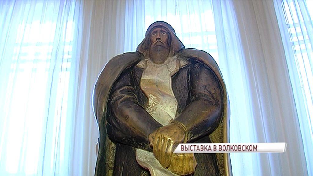 В фойе театра имени Волкова открылась выставка скульптора с мировым именем