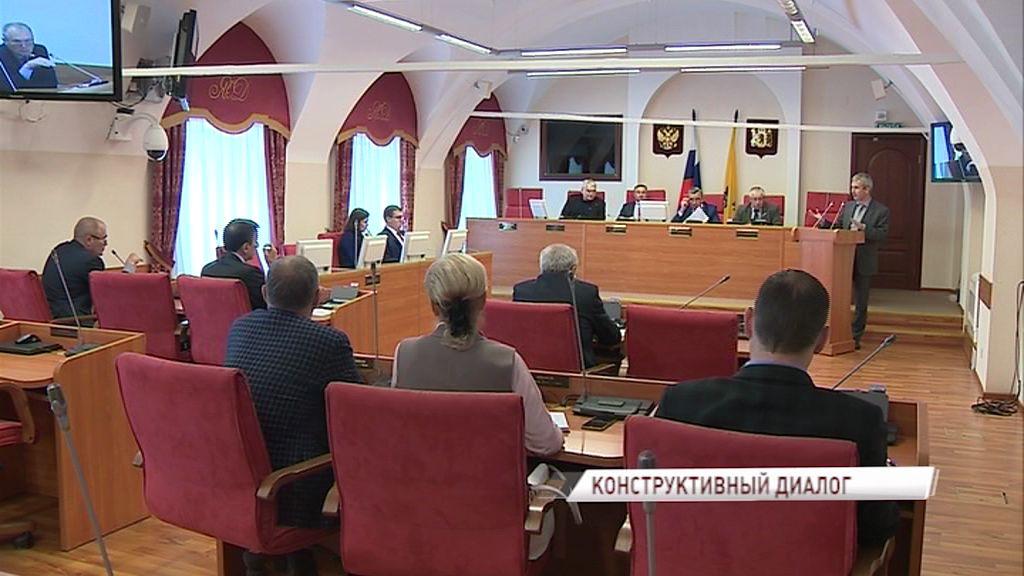 На заседании комитета облдумы обсудили ремонт дорог и общественный транспорт