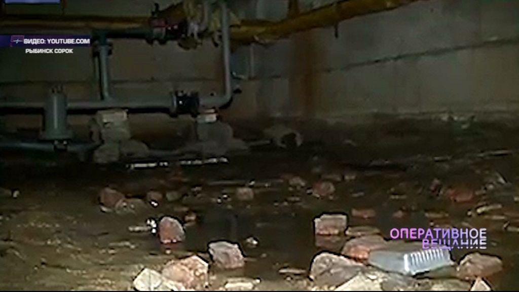 В Рыбинске похитили канализационные трубы