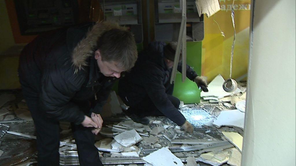 Стали известны личности двух мужчин, которые пытались взорвать банкомат