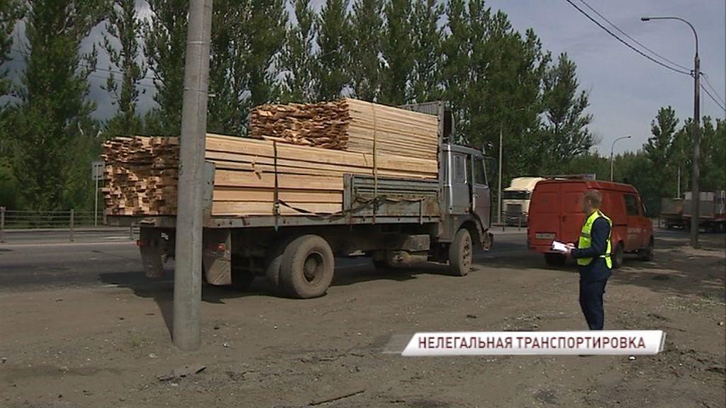 На автодорогах Ярославской области усилится контроль за перевозкой древесины