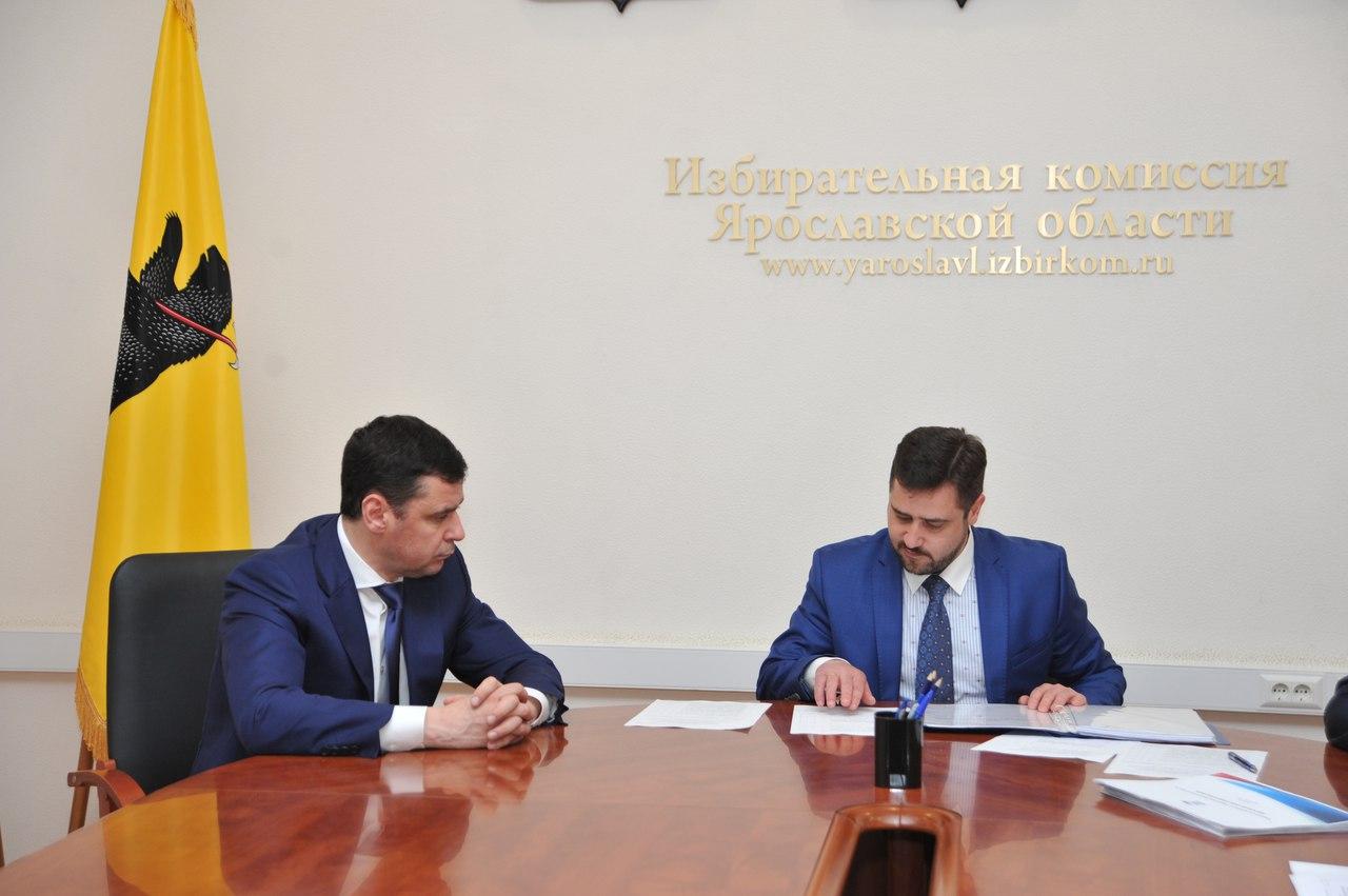 Глава региона Дмитрий Миронов представил кандидатов в Совфед и сдал документы для регистрации кандидатом в губернаторы
