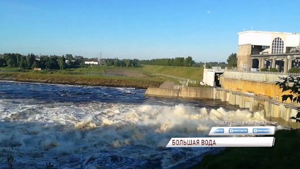 Из-за сбросов на верхневолжских ГЭС в регион пришла большая вода