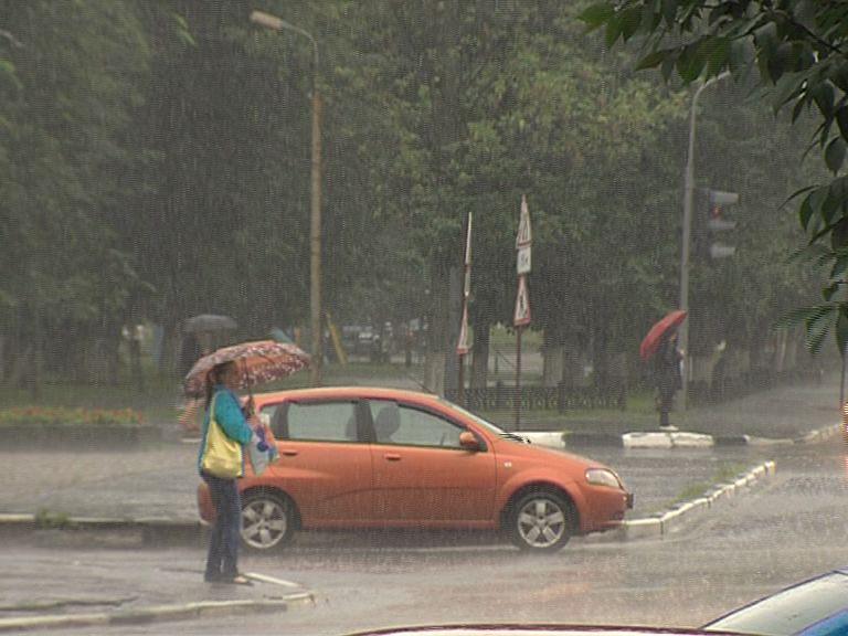 Экстренное предупреждение: На Ярославль опять надвигается гроза
