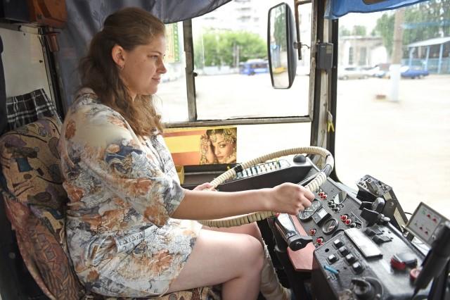 Девушка-водитель троллейбуса из Ярославля спасла 15 человек