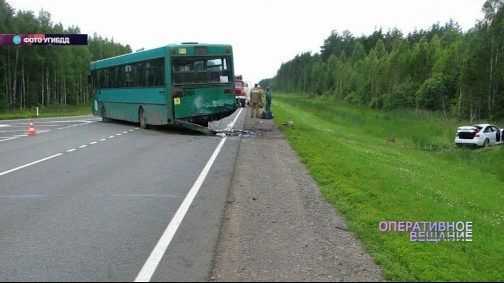 Под Вологдой разбился ярославец, пытавшийся обогнать автобус