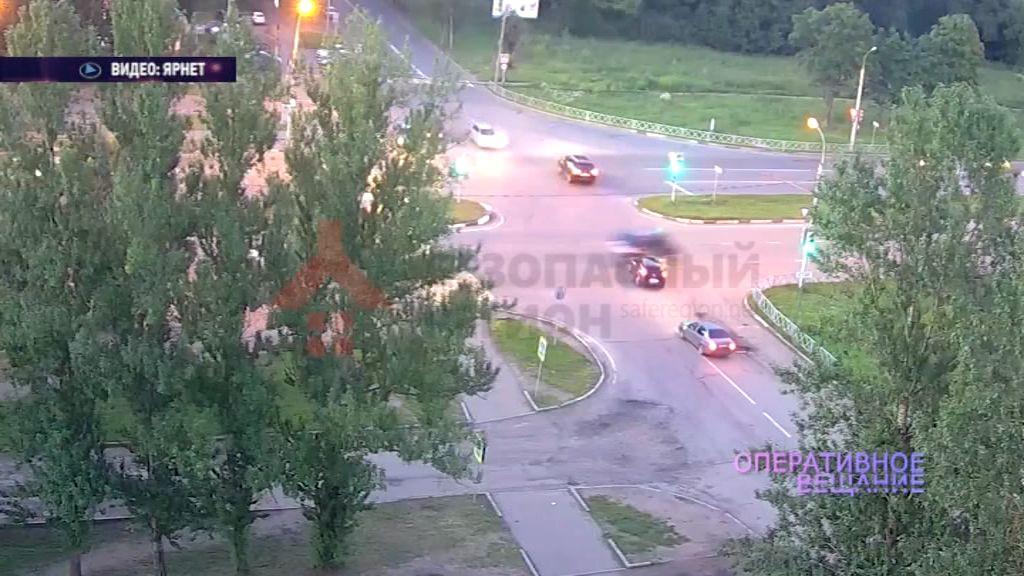 Ярославские дорожные будни: настоящая погоня, в финале которой из-за руля вытащили пьяного водителя