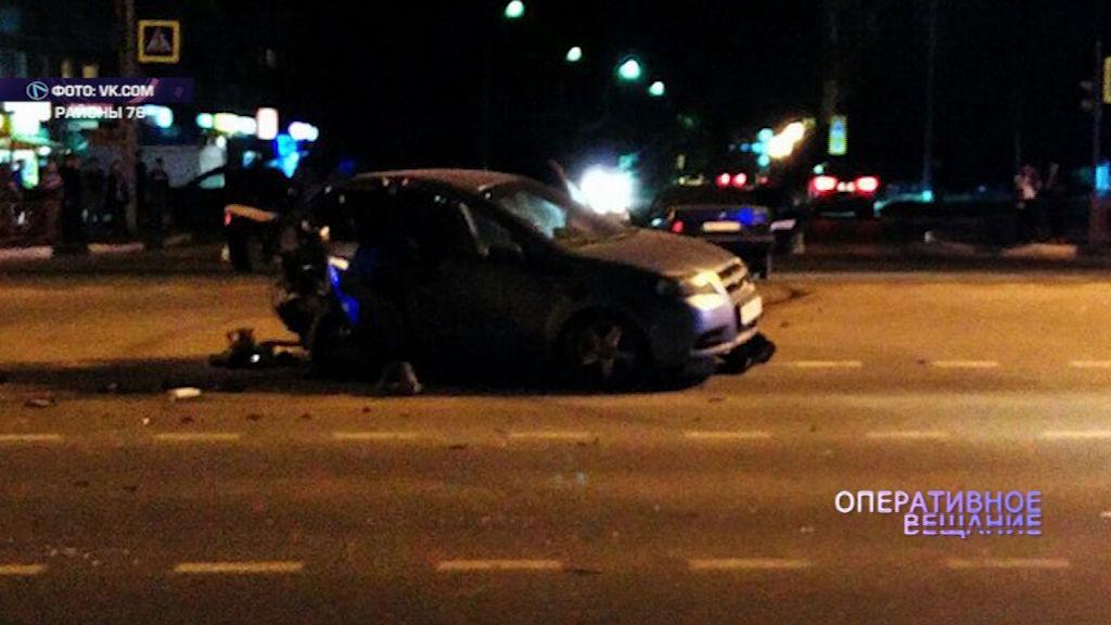 Удар в спину: пьяный водитель на БМВ смял «Шевроле»