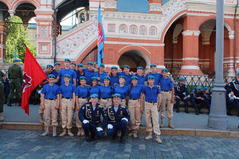Юнармейцы из Ярославской области приняли участие в параде на Красной площади в Москве