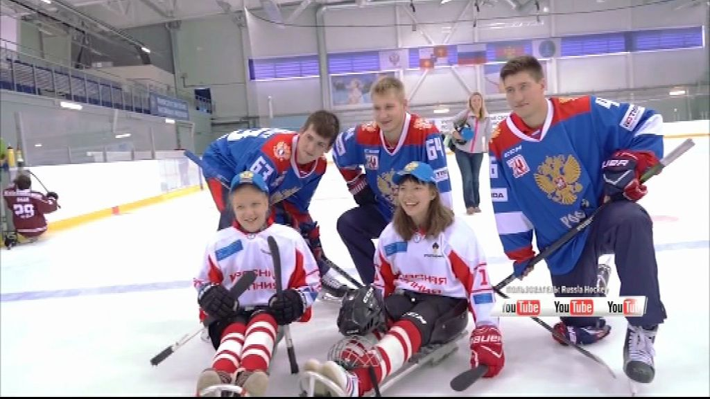 Хоккеисты «Локомотива» провели мастер-класс для ребят с ограниченными возможностями здоровья