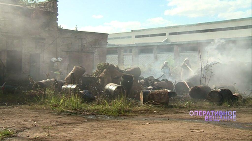 В секундах от большого взрыва: в Ярославле вновь полыхали бочки с горючим