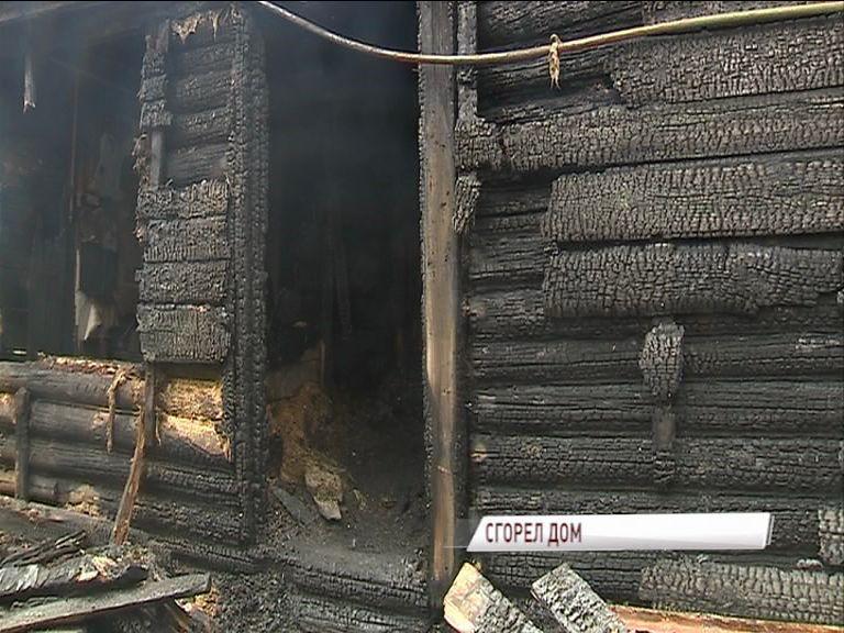 В деревне Козлово Ростовского района горел частный жилой дом