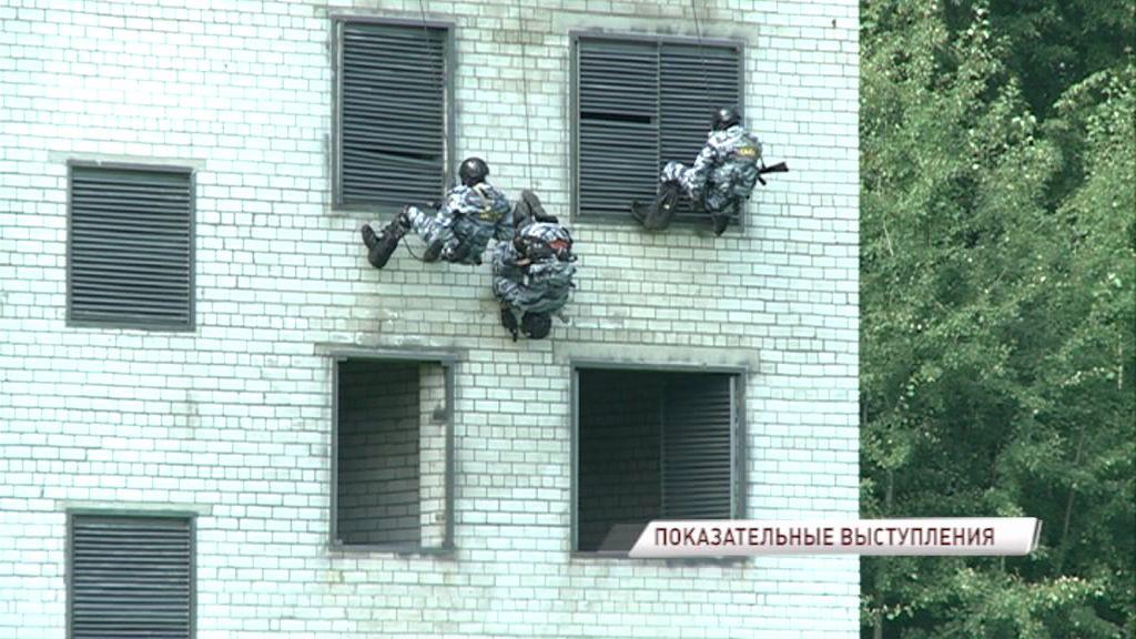 Штурм ОМОНа. Здание захватили злоумышленники: силовики провели учения