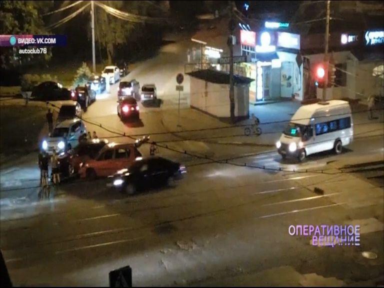 На улице Белинского столкнулись две иномарки