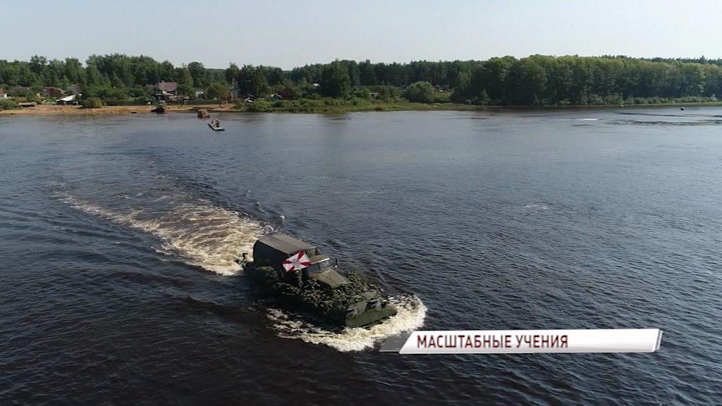 ВИДЕО: глава региона Дмитрий Миронов вместе с Сергеем Шойгу наблюдали за ходом военных учений в Ярославле