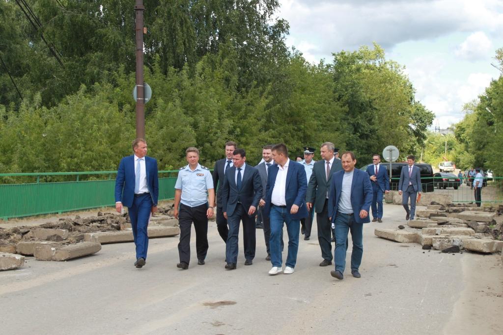 Министр транспорта Максим Соколов и глава региона Дмитрий Миронов проинспектировали ход ремонта моста через Которосль