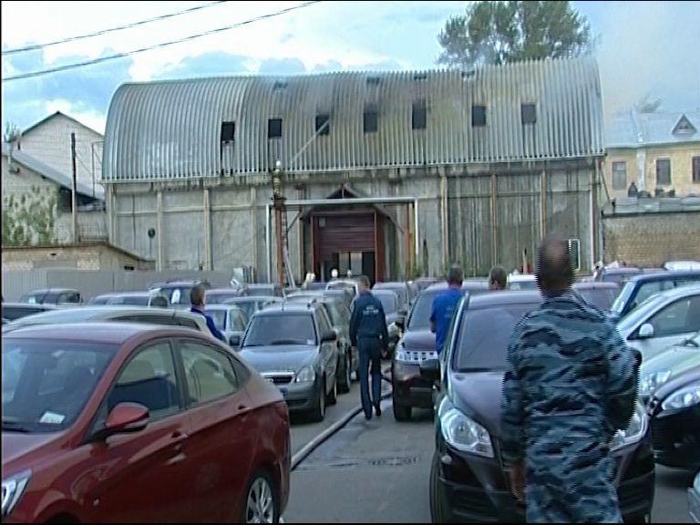 В Ярославле на Полушкиной роще произошел серьезный пожар