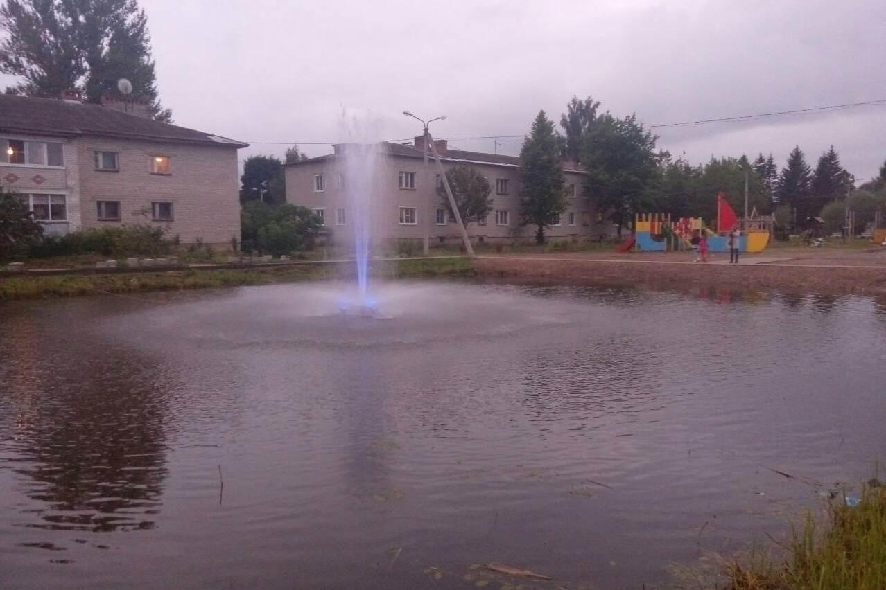 В центральном парке поселка Пречистое забил фонтан