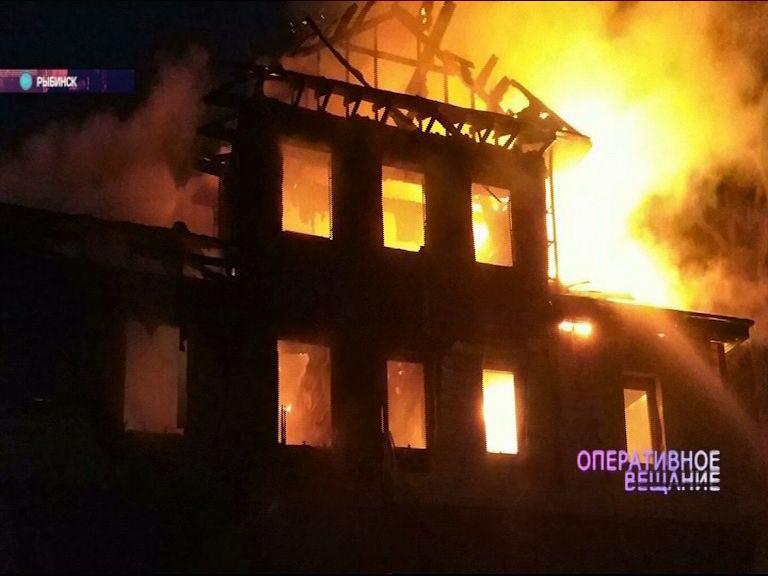 Сразу два крупных пожара в Ярославской области: загорелись дома в Рыбинске и в Угличе