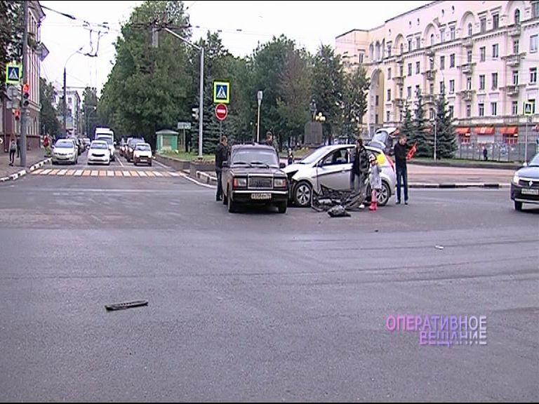 ВИДЕО: авария на пересечении улицы Советской и проспекта Ленина