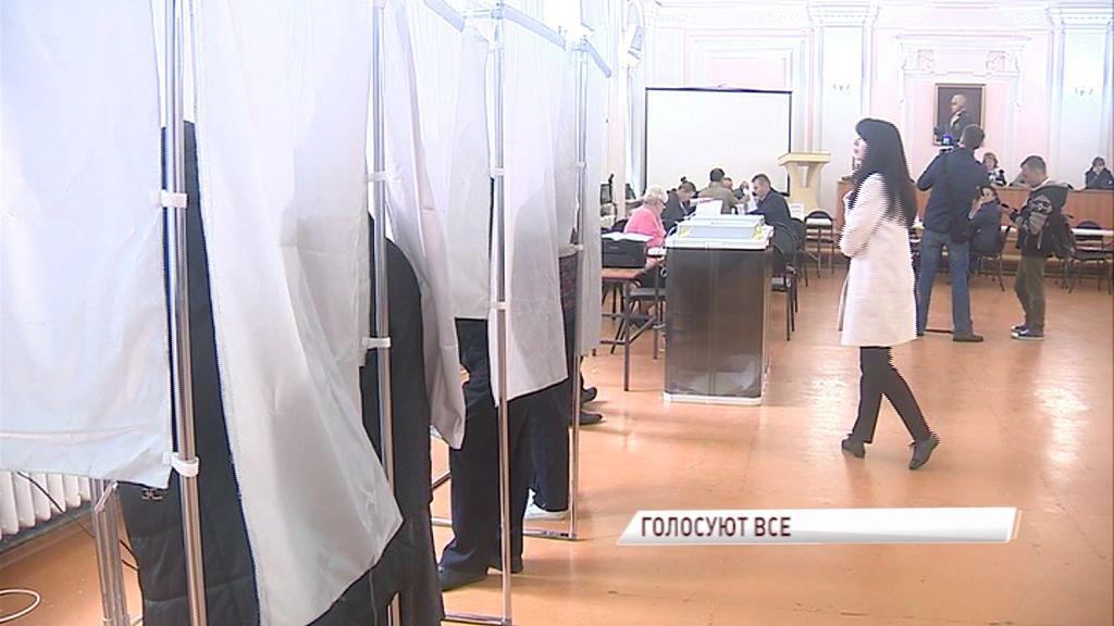 Известные ярославские политики и общественные деятели приняли участие в голосовании