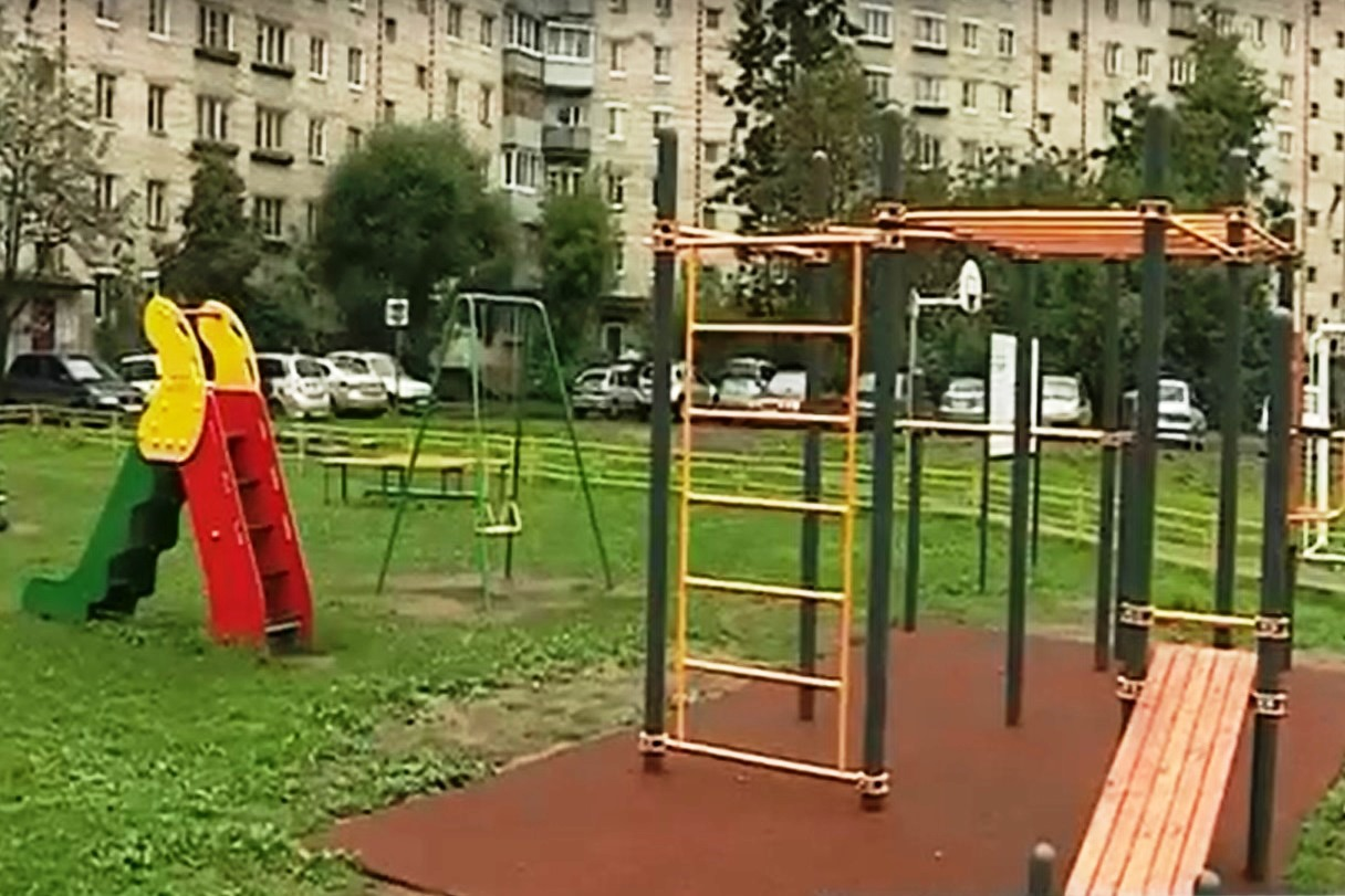 В Рыбинске по программе «Решаем вместе» благоустроили двор на улице Свободы
