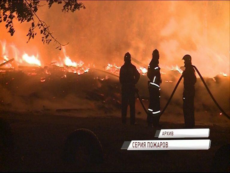 В Дзержинском районе горел еще один расселенный дом