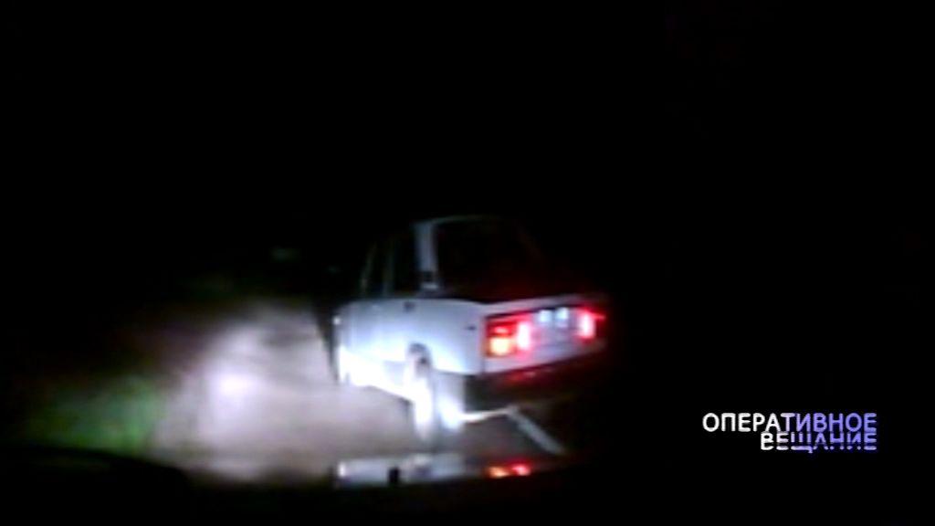 Стрельба в Любиме: дорожные инспекторы остановили пьяного гонщика