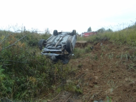 Серьезная авария под Ярославлем: иномарка вылетела в кювет – есть пострадавшие