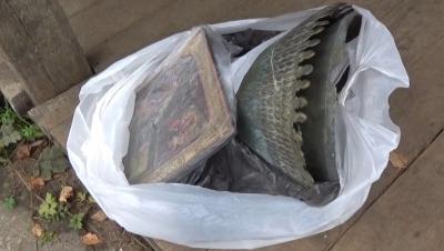 Из церкви под Рыбинском мужчина украл икону и подсвечники